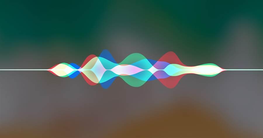 蘋果Siri在近日的語音助手對決中落敗,看似不風光的背後,其實隱藏著蘋果為維護使用者隱私所埋下的功夫。(圖/翻攝蘋果官網)