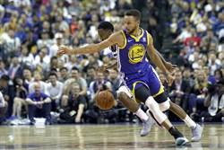 NBA》柯瑞搶光上海賽風采 勇士熱身賽首勝