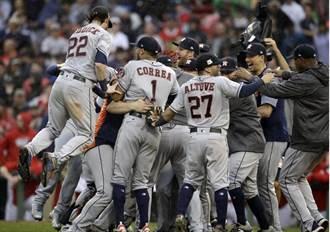 MLB》關鍵8局大逆轉 太空人隊史首晉美聯冠軍戰