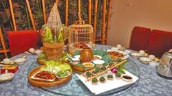 柳州菜博館 熱騰的菜餚是展品