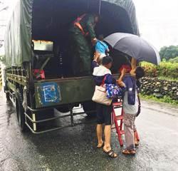 豪雨致災 花東防衛部協助吉安鄉民撤離