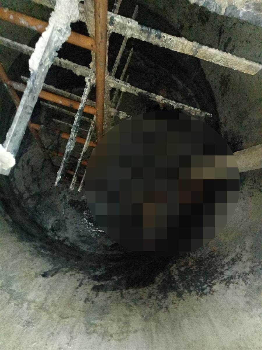 2名外勞不知為何跌落汙水處理槽,被發現時已無生命跡象。(萬于甄翻攝)