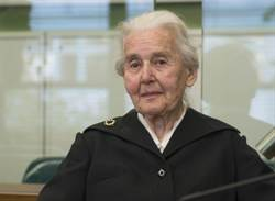 德國「納粹奶奶」因否認大屠殺歷史被判監禁6個月
