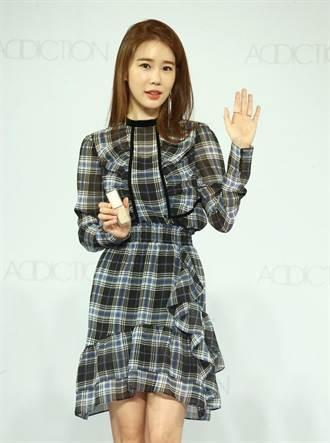 女星劉仁娜炒熱周慶買氣  耶誕彩妝很有看頭