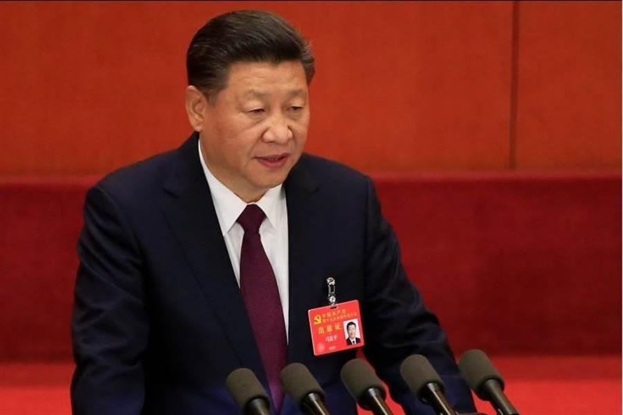 中共中央總書記習近平在19大發表演說。(路透社)