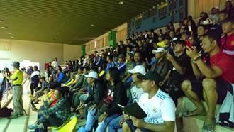 全國運動會吹南洋風 勞工處招待外勞看藤球比賽