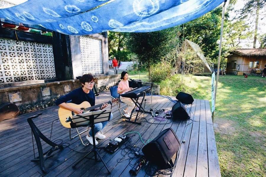 台灣客家新音樂創作協會在峨眉天主堂舉辦一系列「臨暗漫步」音樂會。(台灣客家新音樂創作協會提供)