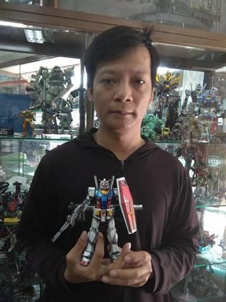 康正博獨門技術 讓他成台灣罕見2D鋼彈模型師
