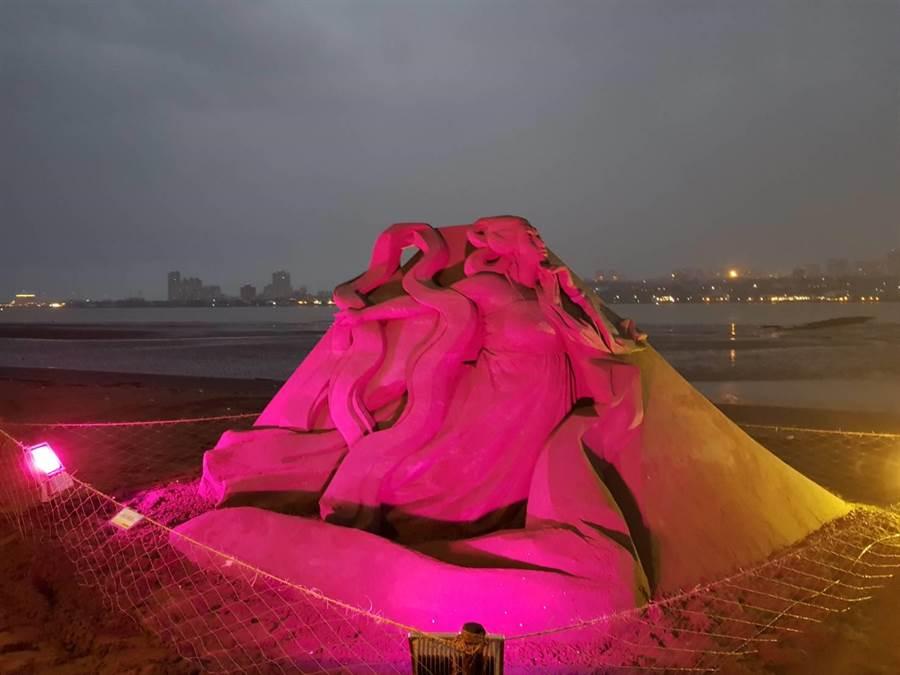 「2017八里沙雕藝術裝置」展示活動,是國內首次在城市舉辦的沙雕藝術創作空間。(葉書宏翻攝)