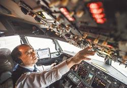 薪水高環境好 各國機師飛往大陸
