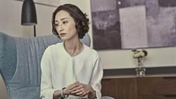 柯佳嬿《血觀音》扮女強人 為救惠英紅霸氣嗆醫生
