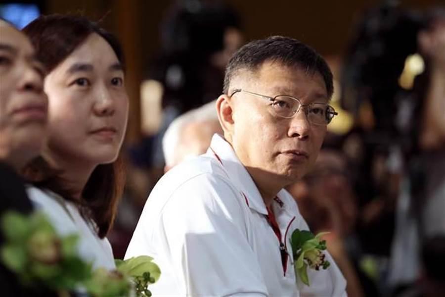 台北市長柯文哲(右)。(資料照,黃世麒攝)
