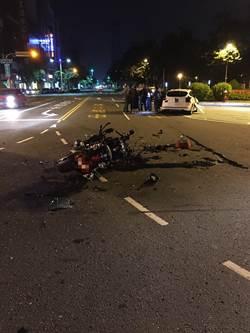 酒駕騎士對撞左轉汽車 紅牌重機頓成廢鐵