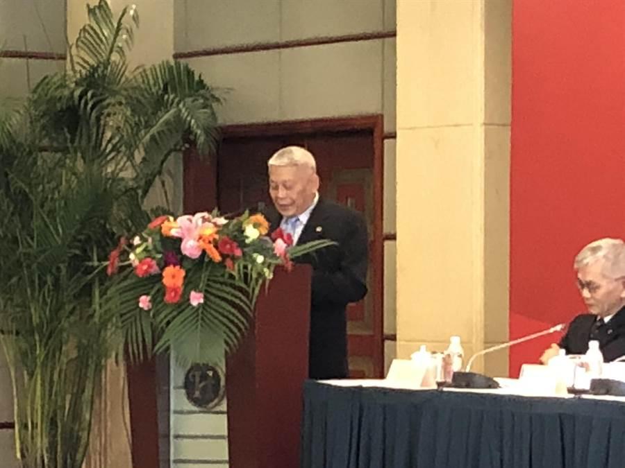 今年是兩岸關係卅週年,旺報與上海東亞研究所在上海共同舉辦「兩岸關係卅年回顧與展望研討會」,旺旺中時媒體集團董事長蔡衍明在開幕式中發表演講,秉持「我是台灣人、就是中國人」希望台灣人日子過得更好。(林信憲攝)