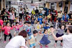 市民活動中心開讀經班 家長搶為3歲童報名