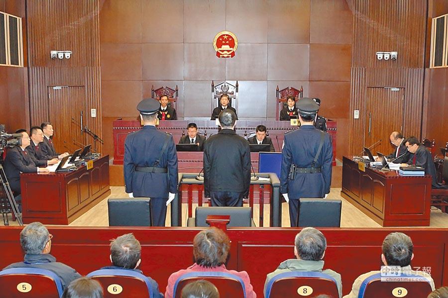 大陸司法部惠台措施為台灣法律界人士赴大陸就業創造更好的發展機遇。圖為上海市第一中級人民法院開庭。(中新社資料照片)
