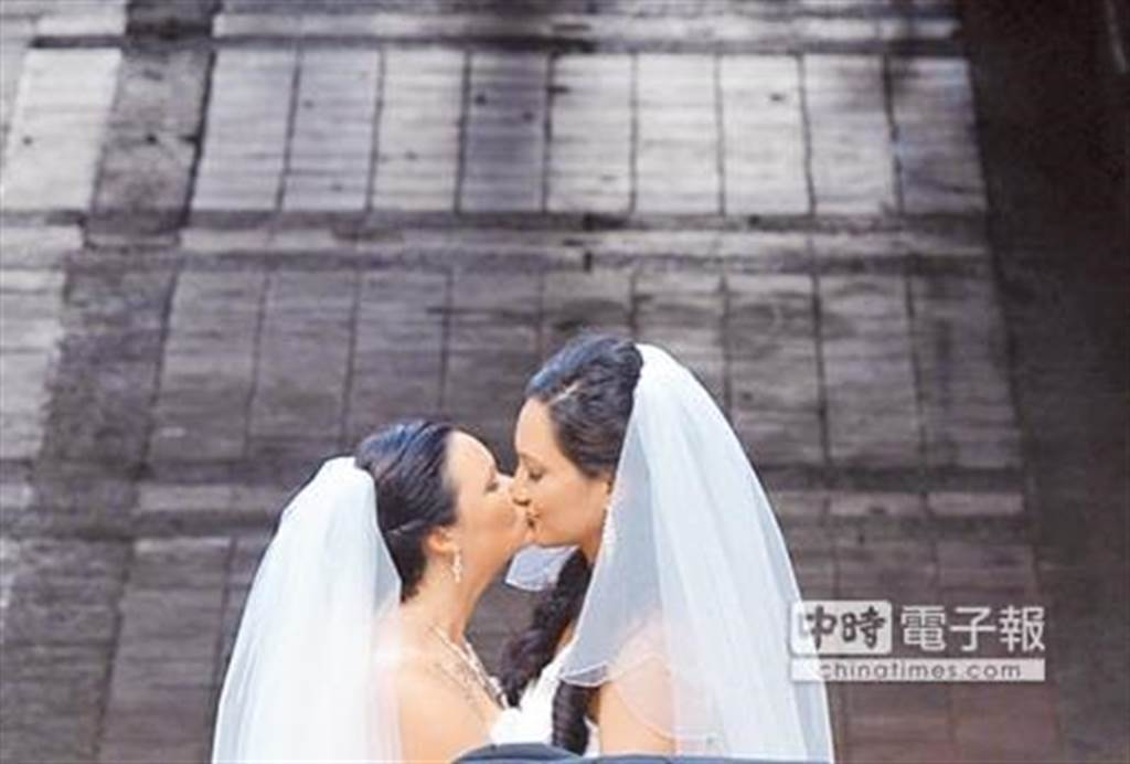 南非女攜台籍女完成依親申請,成國內首對跨國同婚。(非當事人示意圖/中時資料照)