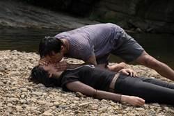李千娜懼高又怕水卻搏命跳瀑布 小鬼嘴對嘴CPR