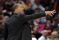 NBA》乖乖牌教練金身破滅 泰隆盧為自己喊冤