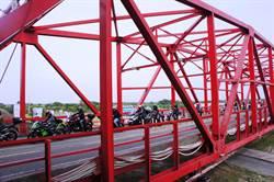 1300輛重機在西螺大橋車聚 價值超過10億元