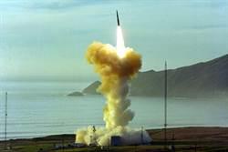 美國公布義勇兵飛彈擊中目標的畫面