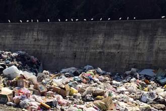 綠島垃圾掩埋場將加高圍籬 避免垃圾飛進大海