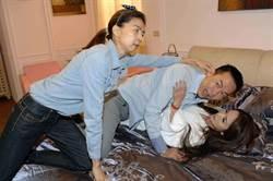 吳鈴山重溫星卉「最軟嘴脣」 老婆「抓姦」後就昏迷送醫!