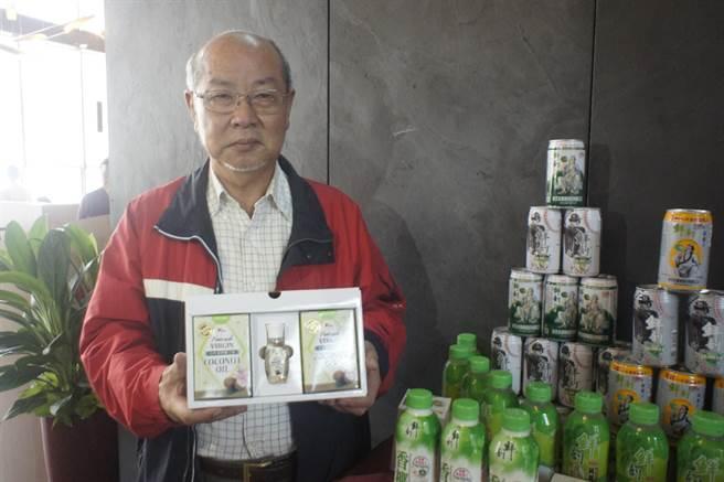台灣最大椰子水公司「半天水」挾通路優勢推廣椰子水及其周邊產品不遺餘力。(馮惠宜攝)