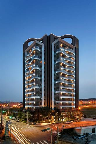 總太「拾光」獲住宅商業大樓高層組「施工品質類」金質獎