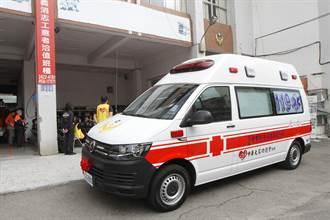 老伴過世貧困翁無助問救護車多少錢 逼哭護理師