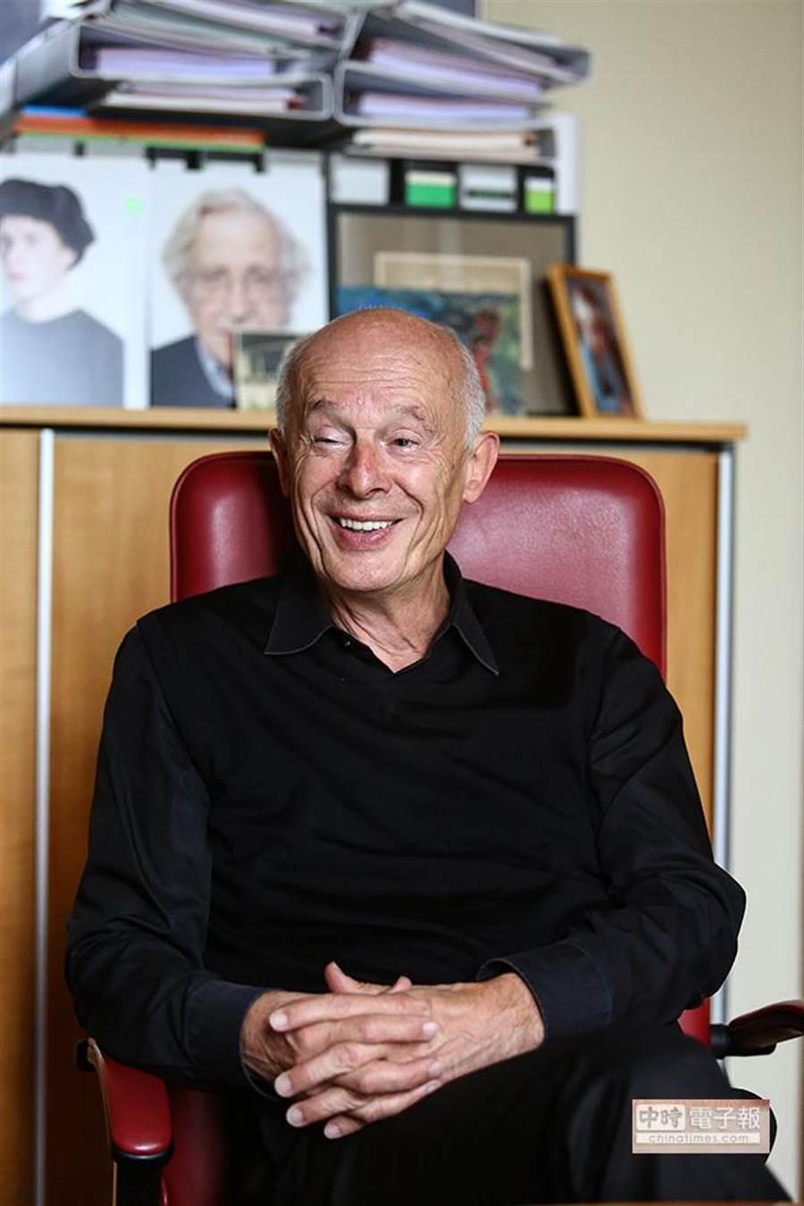 德國總理梅克爾顧問、重量級物理學者宣胡博為2007年諾貝爾和平獎共同得主IPCC成員。(鄧博仁攝)