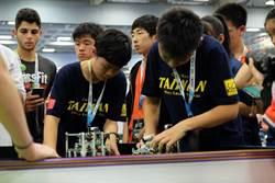 台灣熊讚!中科實中國中部張承翰世界機器人大賽足球組摘金
