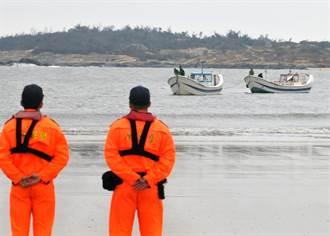 陸船金門翻覆2人失蹤 家屬12人越界尋親遭逮