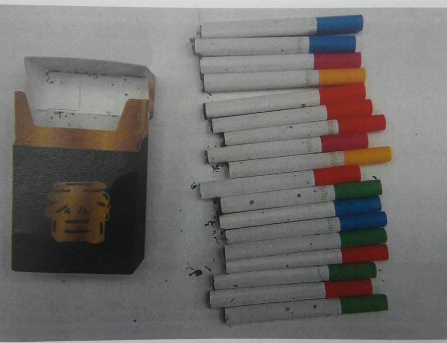 新北市三峽警分局員警19日巡邏查獲新式毒品包裝彩虹菸。(吳堂靖翻攝)