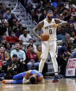 NBA》有證據!鵜鶘球員指出韋少假摔
