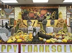 烤火雞、踢足球 駐外美軍歡慶感恩節