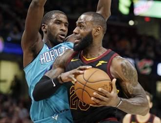 NBA》詹姆斯大三元加追魂鍋 騎士驚險7連勝