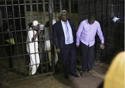 秋後算帳?穆加比垮台 前財政部長遭貪汙起訴