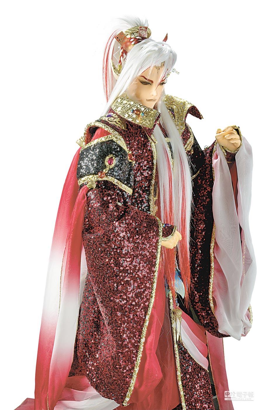 阿修羅王師承道皇聖無殛,是道皇的關門徒弟。這次他與劍子仙跡一戰運出古劍尊始,竟讓古塵劍應聲而斷。 圖片提供霹靂國際多媒體