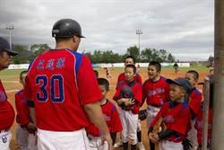 關懷盃》用笑容打球 中正教練要小朋友拋開勝負