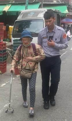 8旬阿嬤逛市場險暈倒 中市暖警護送到家