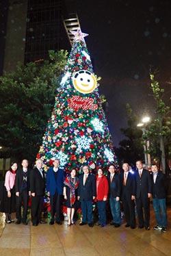 王道轉型商銀後首次耶誕點燈 啟動!