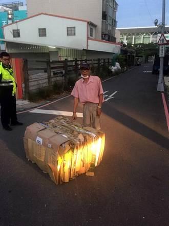賊星敗!綁繩索偷150公斤紙箱 遭警查獲下跪求饒