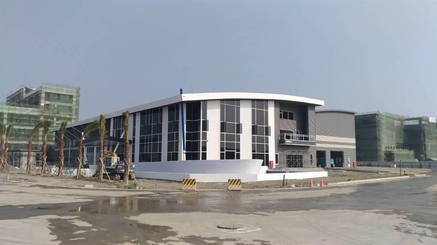圖為和發產業園區中即將完工「梵達海洋股份有限公司 」,預計明年上半年可望正式投產營運。(柯宗緯翻攝)