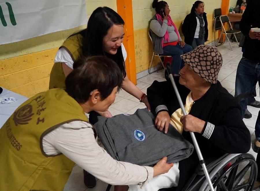 12個國家地區的慈濟志工自12月7日到12月中旬,在墨西哥6個城市舉辦超過1萬戶的大型發放。(圖/慈濟基金會提供)