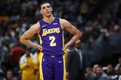 NBA》球哥17分8籃板 湖人延長遭尼克逆襲
