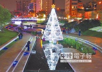 水中耶誕樹 點亮柳川河岸