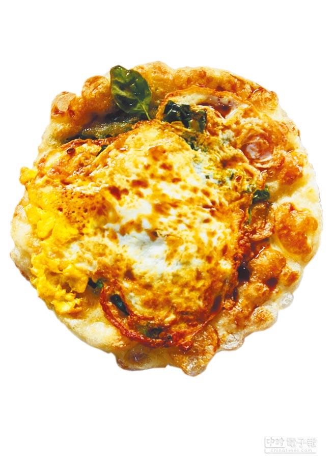 黃記蔥油餅是台東人氣平民小吃。(莊哲權攝)