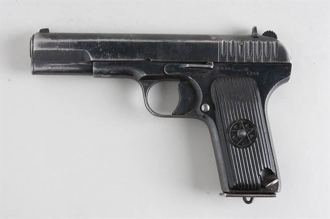 一把TT-33手槍。(圖/Wikimedia Commons)