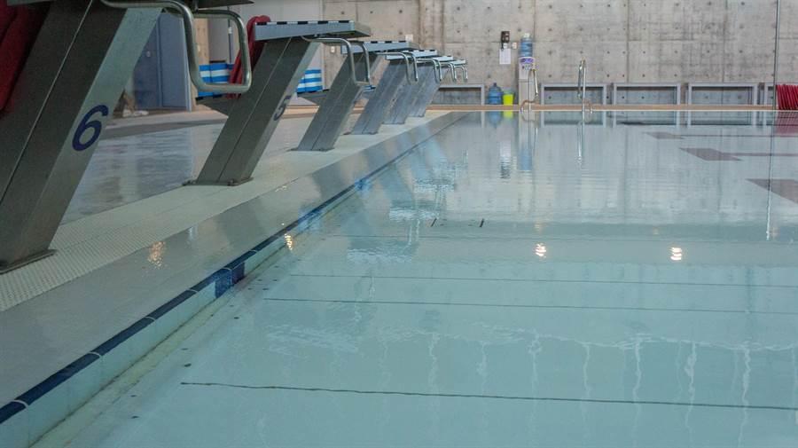 活動式升降水底平台泳池可因應不同需求調整深度(大衛體育工程提供)